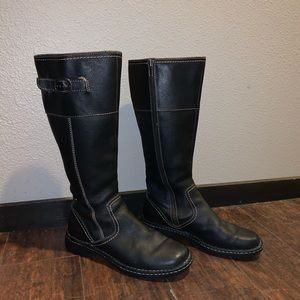 Brand new leather Born boots
